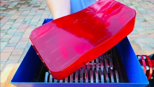 趣味实验:把巨型果冻投进粉碎机,软软的太过瘾了!
