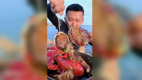 吃个小鲍鱼配上后面的小风景,真不错!