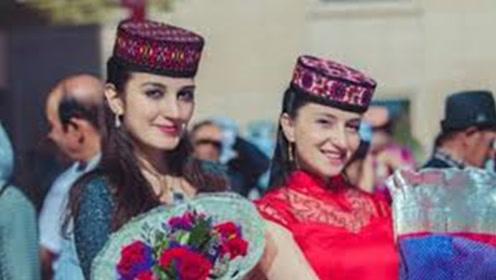新疆女子为何很少嫁到内地?听听当地姑娘的说法,确实很尴尬