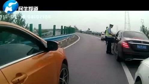 河南高速交警中秋假期查处违法占用应急车道千余台车