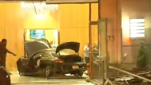 一辆车冲进纽约特朗普广场现场一片狼藉 当地警方:看起来像意外