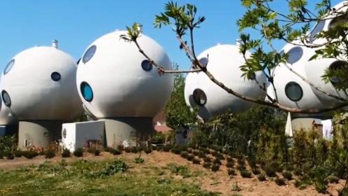 前劳斯莱斯工程师辞职,修建足球房子,功效惊人还有全新科技加持