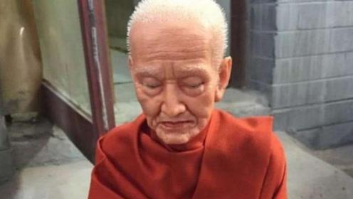 """九华山唯一""""女肉身佛像"""",仙逝前7天不吃不喝,肉身至今不腐烂"""