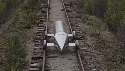 大学生打造轨道列车,1公里耗电量还不足1WH,用电池就能驱动