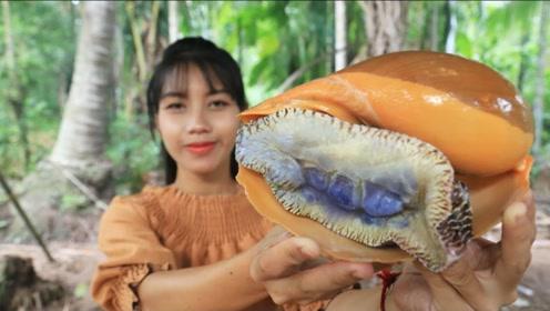 美女用海螺制作顶级美味,色香味俱全!网友:我能配着吃下3碗饭