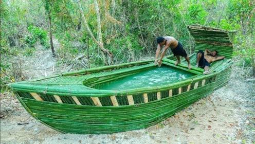 国外小伙自制轮船游泳池,拥有源源不断水源供应,设计十分巧妙