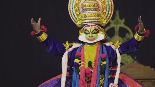 印度有一种传统的民族舞,看完后感觉整个人都魔怔了,奇葩