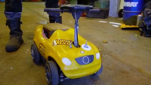 外国牛人改造玩具车,开到50时速后,刹车方式让人想笑