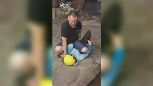游客在越南旅游被抢 中国游客见义勇为当场抓住飞车党