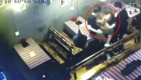 云南女大学生自杀疑云 出事前疑被男子猥亵掌掴 警方已展开调查