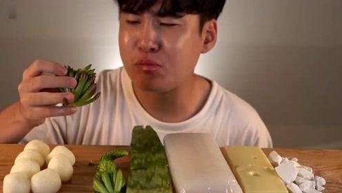 韩国欧巴吃播,多肉和芦荟也能吃,猜猜什么味