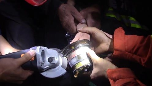 """""""不要让他看到手"""" 男童手掌卷入榨汁机 义乌消防紧急救援"""