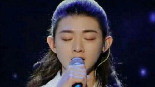霍尊唱的这首《卷珠帘》太好听了,没想到把刘欢都给唱哭了