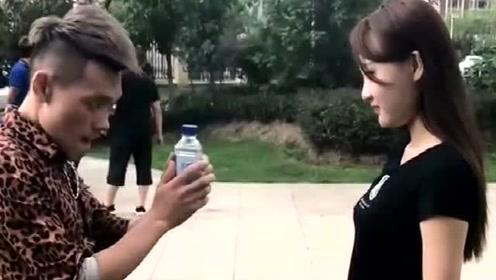 这媳妇不能要,说好的踢瓶盖呢,结局真是败给她了!