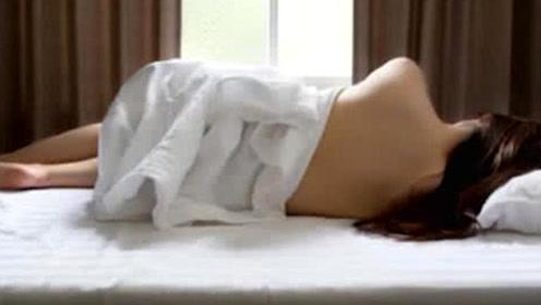 女生睡觉要穿内衣内裤吗?听医生这么一解释,感觉这些年白睡了!