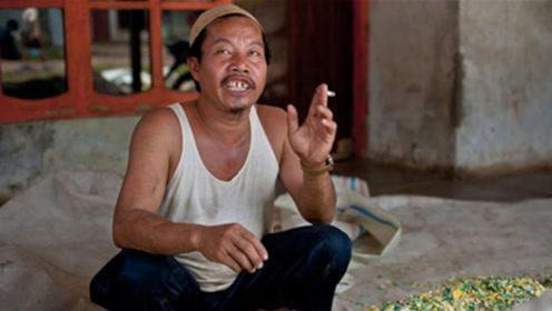 印尼一男子在被安葬7小时之后,平安返回家中,啥情况?