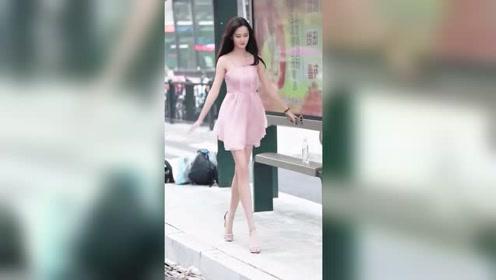 这种长得漂亮身材好,笑得好看又精致的姑娘,是不是所有男生都会一见钟情?