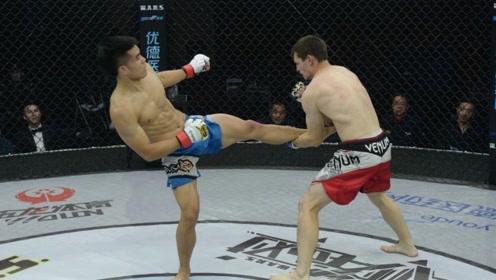 中国散打小将杀上MMA擂台,打得外国拳手当场扔白毛巾
