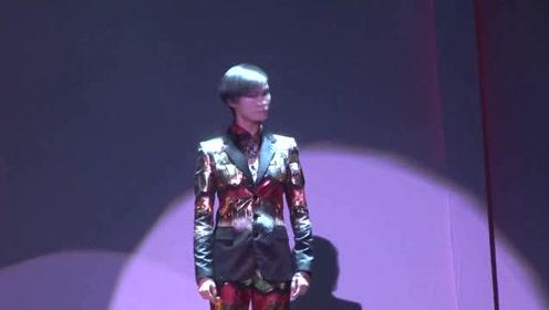 李宇春加盟演员之巅峰对决 红色斗笠官宣图超A 感觉下一秒要拔剑