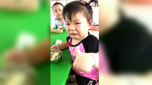 宝宝在幼儿园和老师的对话,真逗
