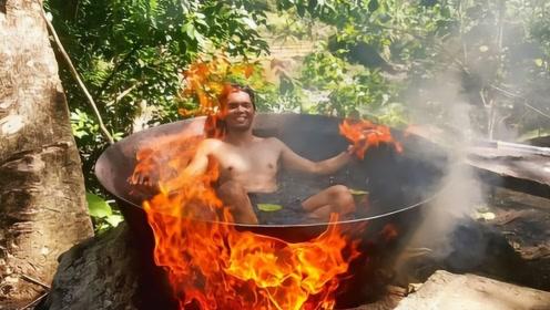"""""""铁锅炖自己""""!顾客坐在铁锅里被煮,网友:看着我都紧张了!"""