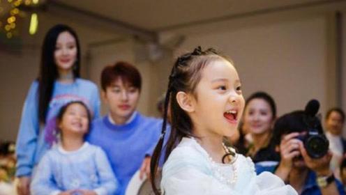 贾乃亮微博为女儿庆生,短短一行祝福语道出父亲的无奈