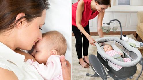 新生儿和妈妈一起睡还是独自睡小床比较好?看完长知识了