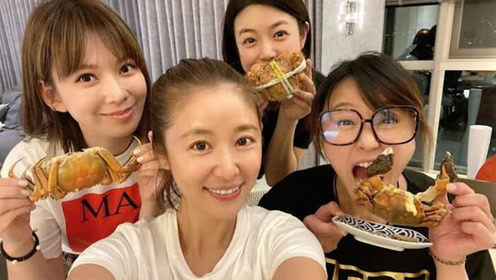 林心如和陈妍希素颜聚餐,公开示爱霍建华后开心甜笑状态大好!