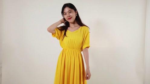 甜美少女最爱的颜色穿搭,芒果黄连衣裙的镂空设计,气质又减龄