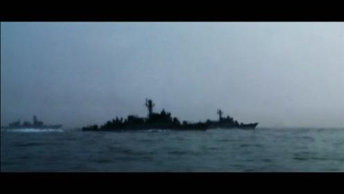 高射炮与加特林近距离互射,超真实的海战电影,太惨烈了