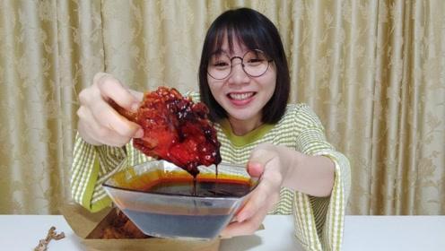 挑战十倍辣炸鸡,第一口就辣到飙泪!妹子最后能成功吗?