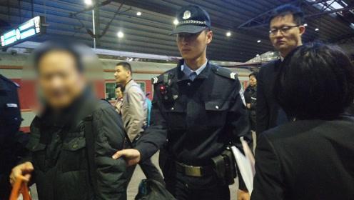 """包工头""""老赖""""拖欠6万工资后失联4年刚到北京被抓称""""很尴尬"""""""