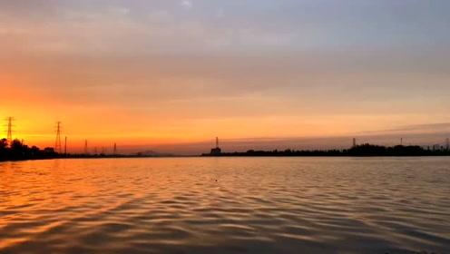 日落之所以温柔,因为它耗尽了一天的能量!