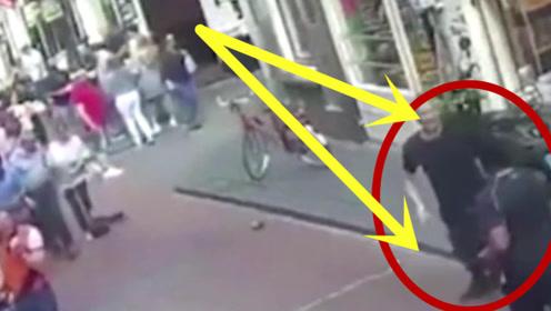 两名彪悍青年街头PK,外卖小哥三秒开两人,实在太厉害了!