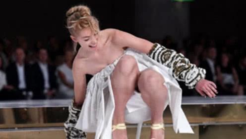 """为何美女模特走秀从不穿""""内衣""""?网友:太让人心疼!"""