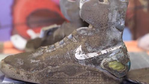 淘金小伙在河边捡到一双耐克鞋,洗干净修修补补,竟卖了6万多元