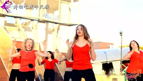 """柔情似水!俄罗斯女性跳""""广场舞"""",原来是这样的效果"""