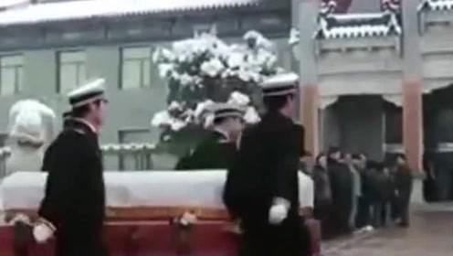 为何殡仪馆不能放镜子?不仅仅是迷信而已,原来还有个原因!