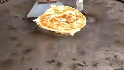 鸡蛋披萨出现在印度街头,奇特的美食名不虚传