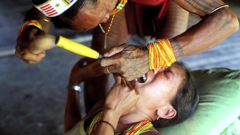 非洲恶习陋俗,女孩在14岁,就要接受如此残忍的待遇!