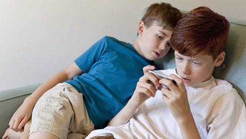 """孩子玩手机上瘾,父母强行禁止不可取,学会这3招轻松""""戒网瘾"""""""