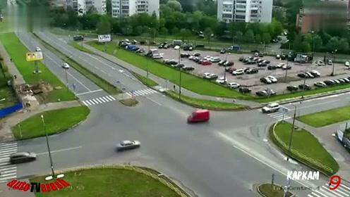 海外8月车祸事故视频集合9