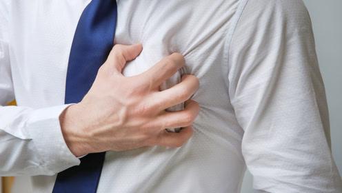 男性乳房竟然也会发育?造成乳房肿大的原因是什么?