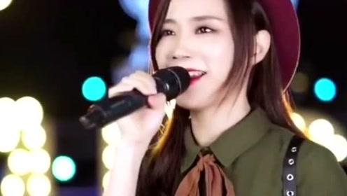 闽南歌曲《大田后生仔》爆红,小姐姐高能翻唱,粤语版的你听过吗?