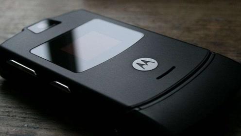 摩托罗拉发布Razr折叠屏手机,售价约1.1万元