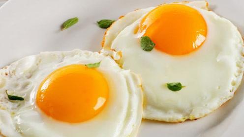 水煮荷包蛋这样做,不粘锅不起沫,个个完整好看,一锅煮十个都行