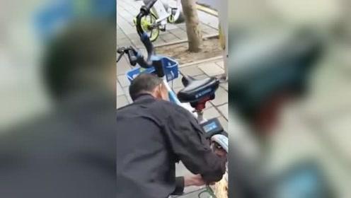 男子用电锯切割共享单车 被抓求饶:第一次干