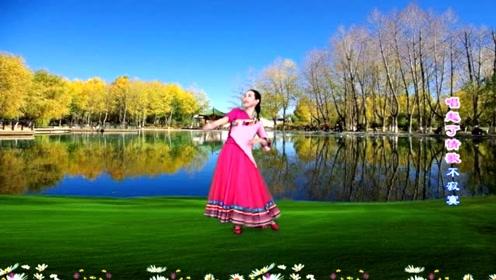 广场舞《水边的格桑梅朵》轻盈优美,简单好看