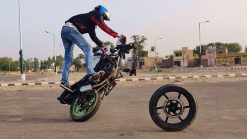 老外展示摩托神技能,一个轮子也能玩的溜?网友:得练个十八年