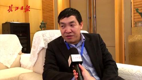 华科大校友多年后回武汉参加华创会:武汉的变化真的太大了